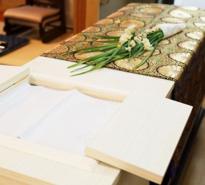 葬儀当日は、葬祭ディレクターが丁寧に対応